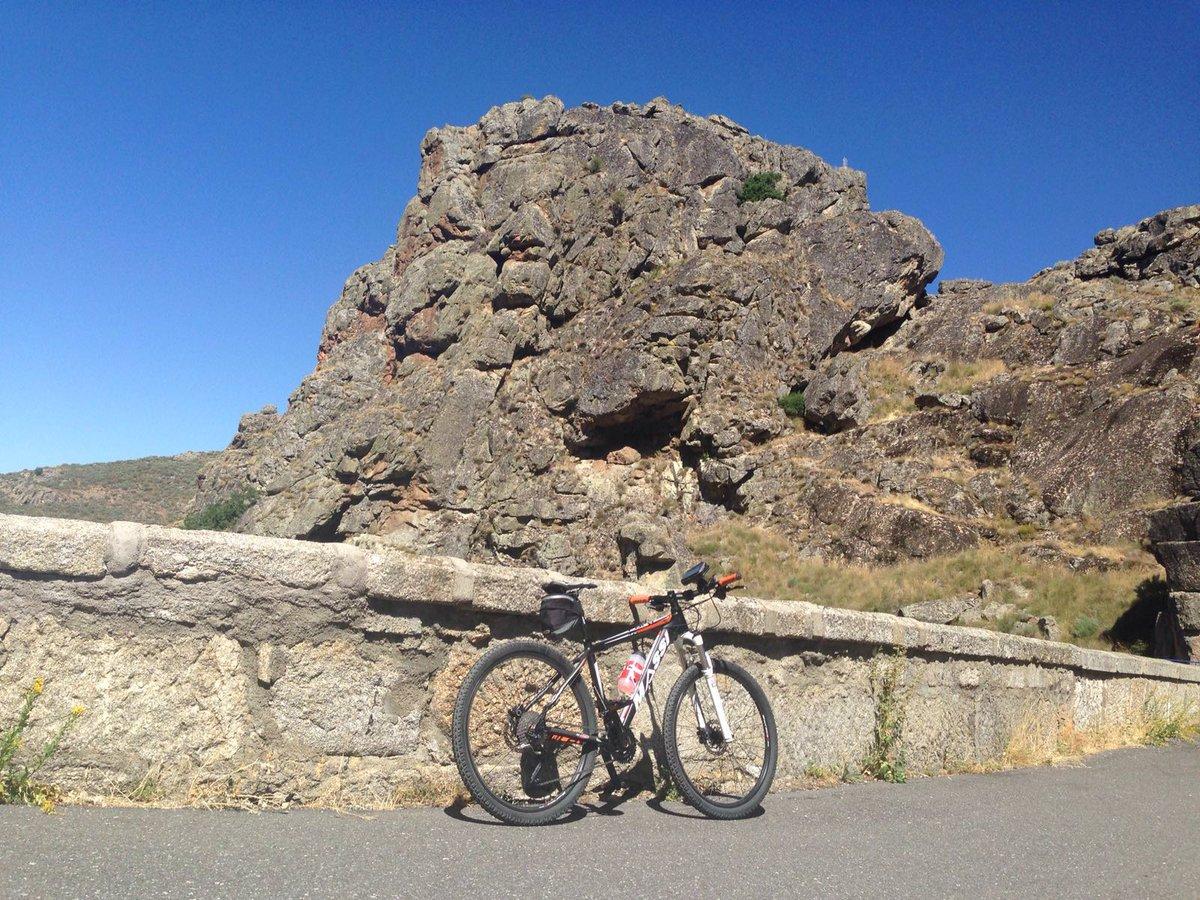 Cueva del Maragato, Nélida Fernández